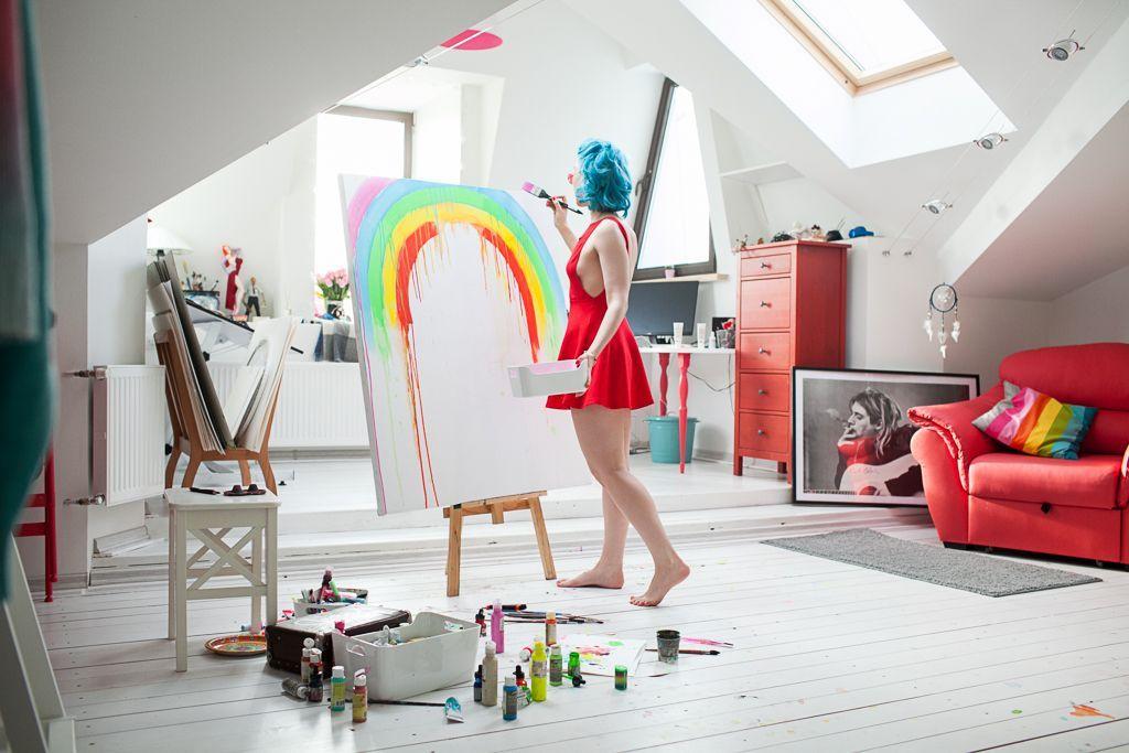 Lora Zombie Room Rainbow Studio