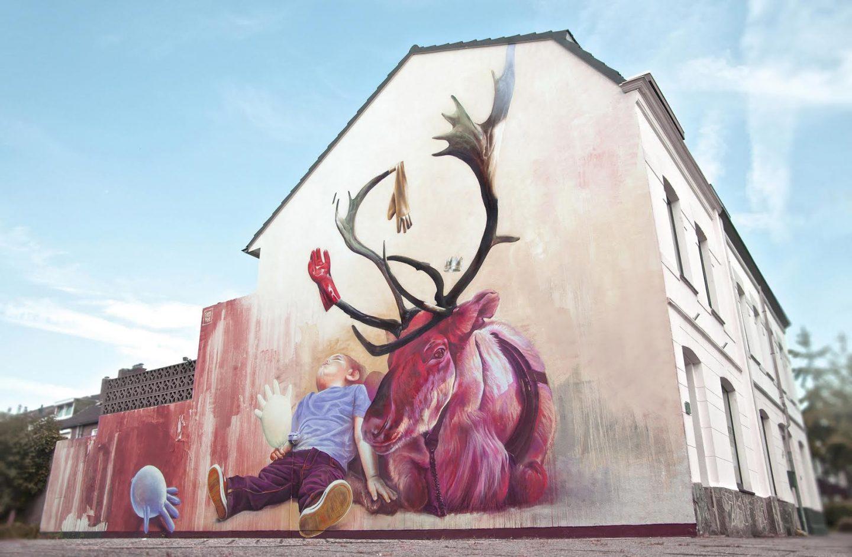 Telmo Miel Mural Spray Paint Deer